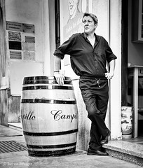 Campillo (Bart van Hofwegen) Tags: people bar stand street streetphotography city málaga malaga monochrome blackandwhite barrel drink cafe pub
