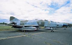 Berlin Gatow Militärhistorisches Museum F-4 Phantom 35+62  19.6.2019 (rieblinga) Tags: berlin gatow militär historisches museum bundeswehr f4 phantom flugzeug analog r9 agfa ct precisa 100 e6 3562