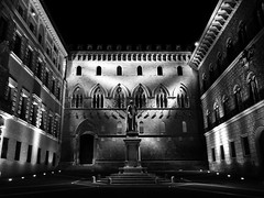 Siena (fotomie2009) Tags: piazza tito sarrocchi sallustio bandini salimbeni tuscany toscana italy italia nocturne notte night notturno notturna monochrome monocromo bw palazzo tantucci spannocchi siena neo gotico contest primo
