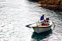 A la mar (Eugenio GV Costa) Tags: approvato barca boat pescatore mare acqua fisherman sea water