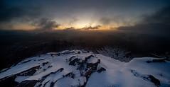 Die Wolken ziehen vorbei (matthias_oberlausitz) Tags: dämmerung sonnenaufgang kleis klic lausitzer gebirge svor novy bor schnee winter tschechien