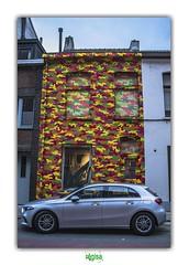 IT WAS A BEAUTIFUL CAR (régisa) Tags: gent gand ghent house maison facade mward car voiture
