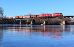 Mississippi River Crossing (Brian Kays) Tags: cp minneapolis minnesota mississippiriver camden