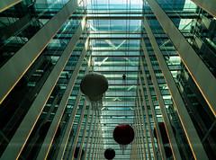 mirror man/man\mirror man (rainerralph) Tags: glass sonyalpha architektur glassconstruction architecture glas fe4024105g sonya7r3 a7r3 indoor