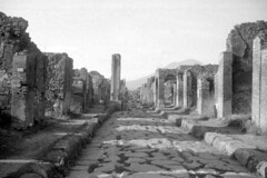 Found Photo - Italy - Pompeii 01r04 George Fay Photo (David Pirmann) Tags: foundphoto georgefayphoto roman italy ruins archaeology pompeii