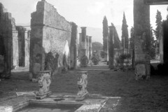 Found Photo - Italy - Pompeii 01r00b George Fay Photo (David Pirmann) Tags: foundphoto georgefayphoto roman italy ruins archaeology pompeii