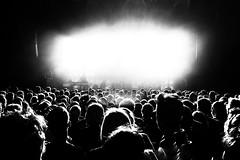 Boom! (marfis75) Tags: hörer zuhörer termin veranstaltung auftritt bühne stage entertainment party menschen crowd menge dunkel sw blackandwhite monochrome bw schwarzweis gig marfis75 bums bumms explosion knall bang bäng boom concert konzert