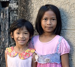 pretty girls (the foreign photographer - ฝรั่งถ่) Tags: two pretty girls children khlong lard phrao portraits bangkhen bangkok thailand nikon d3200