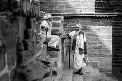 Chatting and putting the world to rights (SlikImage Photography) Tags: 2017 jodhpur nikon d750 steve beckett india streetphotography travel bw blackandwhite monochrome