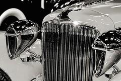 1930 Cord L-29 (Bob_Wall) Tags: bobwall btwgf blackandwhite monochrome car automobile antique coed artdeco grille chrome headlight hoodornament hoodie headlamp