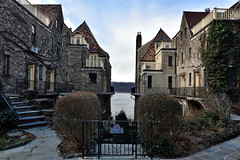 Close to Home - Villa Charlotte Brontë (Eddie C3) Tags: 366the2020edition 3662020 day8366 08jan2020 nyc villacharlottebrontë bronx spuytenduyvil hudsonriver newjerseypalisades closetohome week2theme