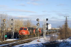 CN 377 (Michael Berry Railfan) Tags: cn3052 cn2980 cn canadiannational kingstonsub dorval train freighttrain winter snow ge generalelectric gevo et44ac es44ac