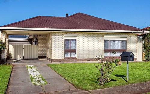 15 Gregory Cr, Seaton SA 5023