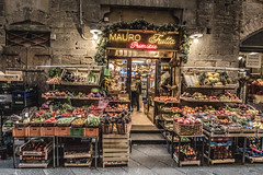 Food Shop (Robycrux) Tags: amazing astonishing hystory story architecture art canon souvenire arno duomo tuscany florence tourism turism chill shops gallery window shopping lights cold family holidays walking italy chestnuts winter inverno shop veggies vegan fashion vintage
