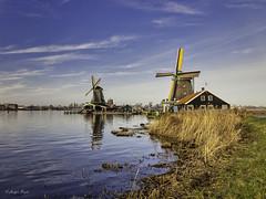 Zaanse Schans (Holgbry) Tags: ngc zaanse schans mills mühlen water fluss river
