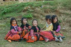 _J5K8843.0110.Tà Số.Mộc Châu.Sơn La (hoanglongphoto) Tags: asia asian vietnam northvietnam northwestvietnam life people girls dailylife hmongchildren hmonggirl spring lifeatvietnam childrenatvietnammountainous childrenatvietnam canon canoneos1dsmarkiii tâybắc sơnla mộcchâu tàsố cuộcsống conngười trẻem trẻemgái trẻemhmông trẻemgáihmông trẻemvùngcao trẻemviệtnam canonef70200mmf28lisusmlens tếtngườihmông happy vuivẻ smile cười happysmile cườivuivẻ laugh cute vietnamchildren northernvietnam playing mùaxuân candid candidphoto candidphotographys fashion authenticshooting authenticphoto hmongchildrenscostumes chụptựnhiên trangphụccủatrẻemhmông portraitofchildrenhmong chândungtrẻemhmông vietnamlife asialife asianlife hoanglongphoto candidcapture candidpicture hìnhảnhchânthực hìnhảnhtựnhiên portrait chândung childrensportrait chândungtrẻem hmongchildrenportrait chândungtrẻemhmong