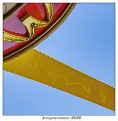 Underneath the arches (Roland Bogush) Tags: lasvegas mcdonalds sonyrx100mk7