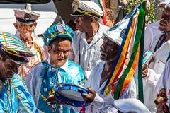 Festa de N. Sra. do Rosário (Raul Lisboa) Tags: brasil centrohistórico cidadehistórica conceiçãodomatodentro congado festadensrarosário manifestaçãoreligiosa marujada minasgerais moçambique pessoas procissão reisado rua serradoespinhaço cor