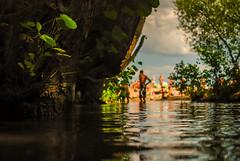 potok i plaza-0724.jpg b p (miroslaw11) Tags: plaża beach potok lato morze ludzie drzewa kąpiel światło liście