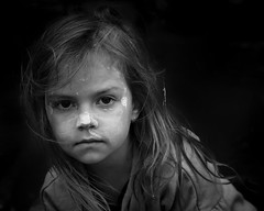 through the eyes of a child (gro57074@bigpond.net.au) Tags: ochre facepaint throughtheeyesofachild f63 2470mmf28 tamron d850 nikon cbd sydney circularquay january2020 expression bw portraiture monotone monochrome mono blackwhite girl child firstaustralian indigenous portrait guyclift