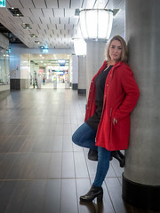 Andrea, Amsterdam 2019: Boot against the column (mdiepraam) Tags: andrea amsterdam 2019 amsterdamcentraal station architecture portrait pretty attractive beautiful elegant classy gorgeous dutch blonde girl woman lady naturalglamour coat boots
