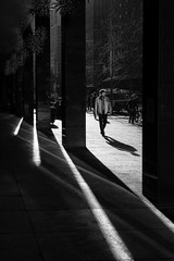 High Noon on the Avenue (Kenneth Laurence Neal) Tags: newyorkcity cities citylife cityscenes street streetphotography streetphoto people shadows contrast blackandwhite blackdiamond monochrome monotone nikon nikond7100 urban cit