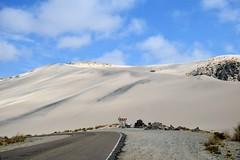 Dunas en el camino al cielo (pepelara56) Tags: arena sand ruta route dunas dune clouds nubes cielo sky apacheta