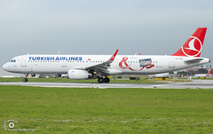 Turkish Airlines (Guilherme_Martinez) Tags: aircraft airbus airbuslovers adorable sky summer sun sunset follow family followme lisboa love lisbon lovers like planespotting passion beautiful best hobbie holidays hobby governamental clouds cool