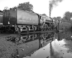 9F Loco No.92212 on shed at Ropley, during morning preparations. Mid Hants Railway 19 10 2019 bw (pnb511) Tags: midhantsrailway train engine loco locomotive wet steam track reflection 9f 2100 smoke power mono water br standard