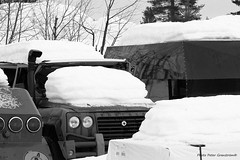 Santana jeep! (petergranström) Tags: approved santana jeep snow snö car bil light lysen hood huv