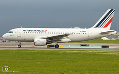 Air France (Guilherme_Martinez) Tags: aircraft airbus airbuslovers adorable sky summer sun sunset follow family followme lisboa love lisbon lovers like planespotting passion beautiful best hobbie holidays hobby governamental clouds cool