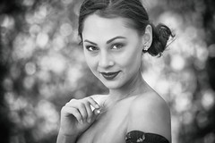 I love her smile (keulefm3) Tags: portrait porträt beauty sensual sinnlich sexy woman girl glamour