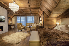 Storchennest. (Matthias Dengler || www.snapshopped.com) Tags: matthias dengler snapshopped hotel fotograf photography photographer photograph leading spa resort resorts chateaux relais landromantik interior top suite apartment flat design wood cozy architecture architektur archi architectural architects architekturfotograf artistic