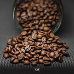 Coffee dreams (Sr.Ivan) Tags: coffee coffeeshop cafetería desayuno breakfast studio macro macrophotography beans coffeebeans 50mm canon eos m50 canonm50 canoneosm50