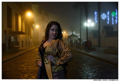 . . (Matías Brëa) Tags: retrato portrait color mujer woman girl calle street noche night niebla fog