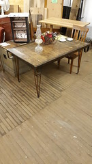 Industrial skid table. Jan 2020 (ianulimac) Tags: reuseactioncom reuse reclaim reclaimedmaterials furniture greenfurniture upcycle oldwood woodworking elm built woodshop recycle diningtable tabletop table customdesign custombuilt skid pallet industrial industriallegacy buffalo buffalonewyork store old antique oneofakind original welded custommade tableleg hairpinleg madeinusa madeinbuffalo customwelding custommetalwork metalfinishing antiquewood authentic reuseaction desk endtable