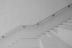 large and small steps (Riex) Tags: stairs steps escaliers rampe maincourante handrail muséedesbeauxarts artmuseum bâtiment building architecture lausanne vaud suisse switzerland bw blackandwhite noiretblanc monochrome g9x explored01102020