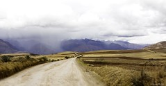 af1910_8854 8855 (Adriana Füchter ... thank you for 16 Million View) Tags: place amazing surreal weather clouds dramatic rain hills green beauty andean mountains quechua landscape peruvian archtecture rua street city urbano moray agricultural sacred valley incas città perou montagne choquequirao andes cheval couleurs chaudes mamifer latine america apurímac pérou scenedevie morayperu scenery terraces way poema poesia бразилия ruralismo moments птици φύση animália fotografia photography adrianafüchter vintage peru antigo arqueologia