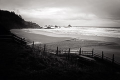 Indian Beach... (Sarah Rausch) Tags: fencefriday indianbeach pnw oregon fence hff kitlens sonya7ii sony 35 pacificocean monochrome mono landscape seascape sea bw blackandwhite pacificnorthwest dark moody
