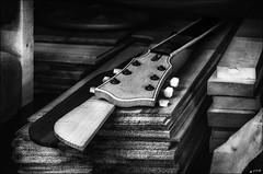 Métamorphose inachevée... /  Unfinished metamorphosis... (vedebe) Tags: noiretblanc netb nb bw monochrome boit travail luthier musique artiste artisan guitare