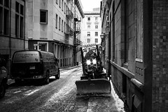 Winter Monster (Hugo Laporte) Tags: winter snow montreal canada quebec leica m 240 m240 zeiss planar f2 50mm black white bw street urban alley