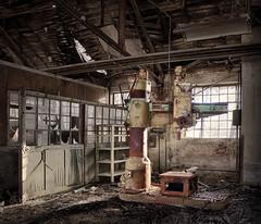 Power (david_drei) Tags: lostplace abandoned decay industry industrie industriekultur rost rust hdr urbex pentax veb dschungel vebdschungel radialbohrmaschine