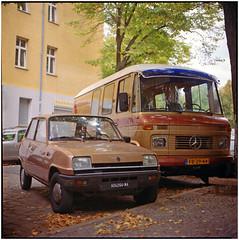 .my golden beauties (Herr Benini) Tags: mercedes renault r5 608d renault5 1973 1976 düdo goldencar kiev88 analog kodak kodakportra400 mediumformat