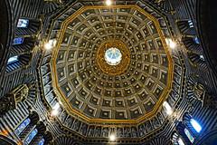 Duomo di Siena, Cupola (Ciceruacchio) Tags: duomo cattedrale cathedrale cupola coupole siena siene italia italy italie italien nikon