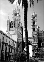 Duomo di Palermo, Palermo, Sicilia, Italia (claude lina) Tags: claudelina italie italia italy sicile sicilia sicily palerme palermo city town architecture cathédrale duomo cathédraledepalerme duomodipalermo church chiesa église