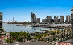 709/100 Harbour Esplanade, Docklands VIC