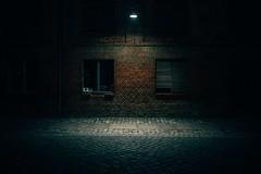 Night Fall (Tom Levold (www.levold.de/photosphere)) Tags: windows fenster x100s nacht fuji night building gebäude streetlight strasenlampe