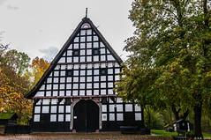 20191104-MUSEUMSHOF-BAD-OEYNHAUSEN-6 (reinhard101) Tags: museum museumshof bad oeynhausen alte gebäude fachwerk bauer bauern gerätschaft gerät nrw germany nostalgie