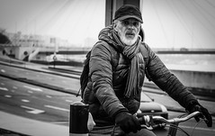 Biker1 (Peter M. Meijer) Tags: rotterdam holland netherlands bw bn strada strasse straat photographia callejera candid sonya7iii sony85mm