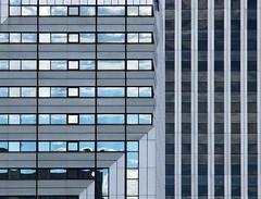 Parallèles et perpendiculaires (Emmanuel Iriart) Tags: emmanueliriart ladéfense building architecture defense92